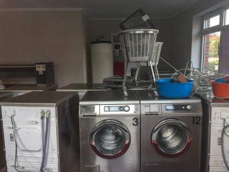 Wir werden einmal ein Waschsalon: Die Wiedereröffnung unter neuer Adresse ist noch für Oktober geplant